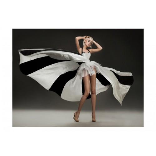 Fotomurale - Bellezza bionda in un favoloso vestito - Quadri e decorazioni